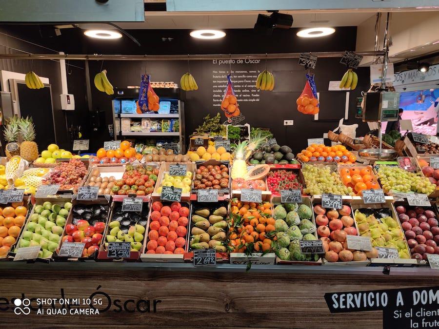 a dos manzanas mercado barcelo